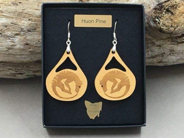 Houn Pine Tassie Tiger Earrings